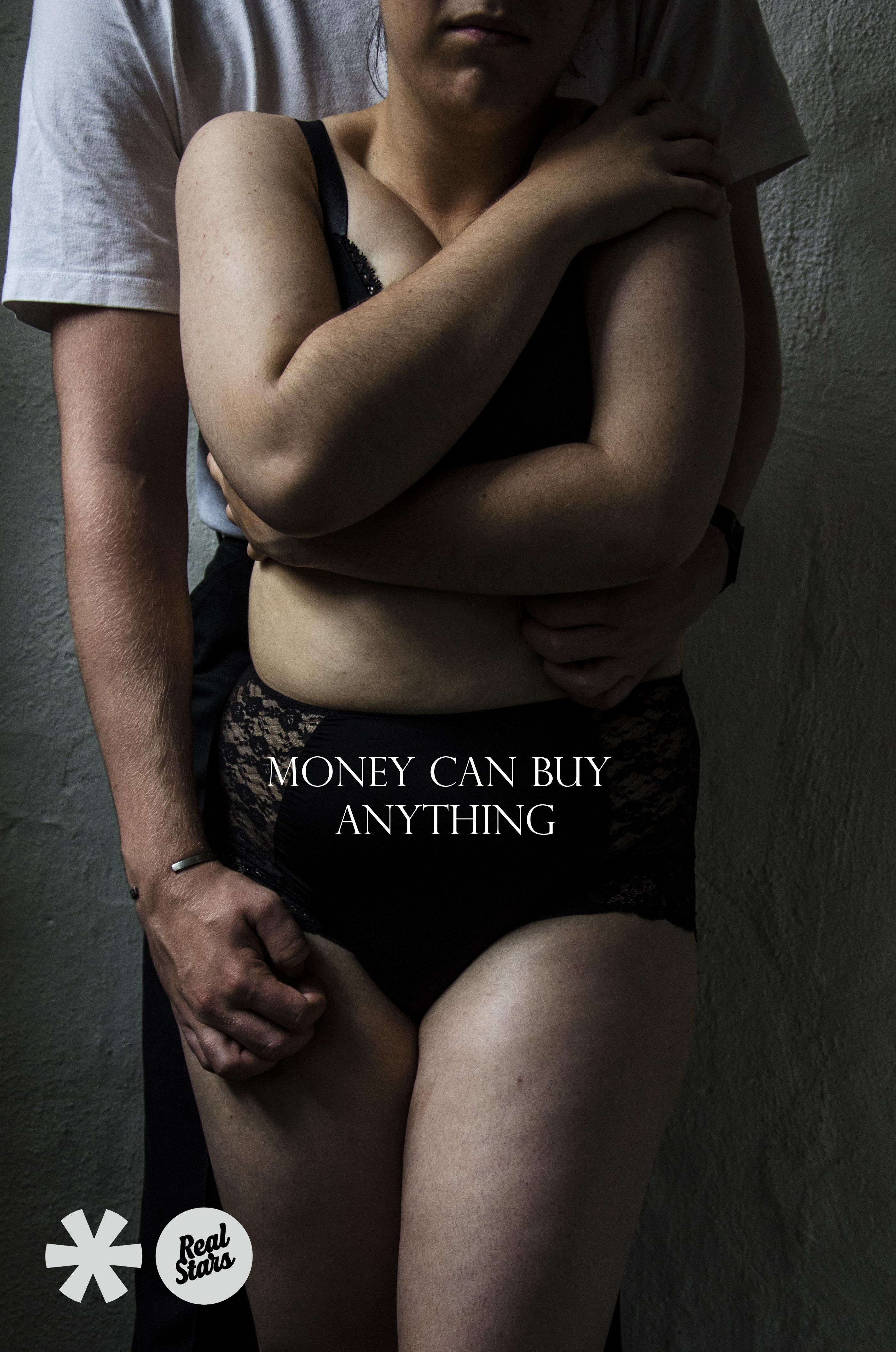 """""""Money can buy everything"""" bild av Olivia Lefvert & Victoria Säwaström - Mediagymnasiet"""
